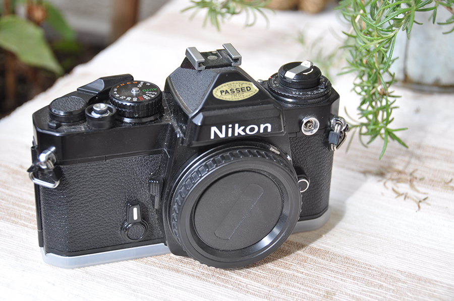 Nikon FE – opis aparatu