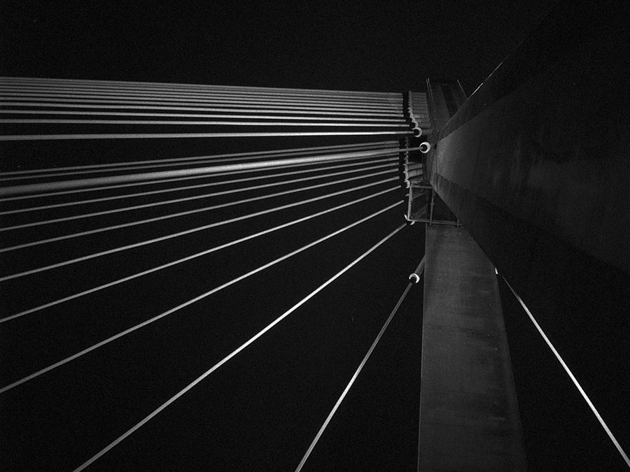 Most Świętokrzyski nocą